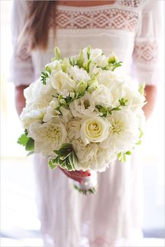 The bouquet originated from the ancient civilization of the West. According to the Western concept, the bouquet is the guardian of the wedding, and it… All White Wedding, White Wedding Bouquets, Mod Wedding, Green Wedding, Floral Wedding, Wedding Dresses, Wedding Bride, Purple Bouquets, Flower Bouquets
