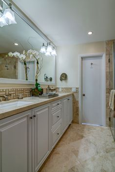 Small Bath - Second Place Name: Alena Capra, CKD, CBD @AlenaCapra Photo: Darryl Nobles
