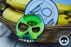 Llavero de media calavera masculina pintada sobre mdf  #CalacasCaracas  Pedidos vía whatsapp [ver perfil]