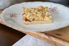 Apfel- und Topfenstreuselkuchen mit Knusper - Bine kocht! Food Blogs, French Toast, Sweets, Bread, Breakfast, Desserts, Pudding, Apple Cinnamon Cake, Strawberries
