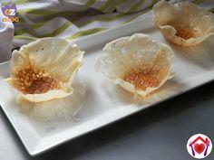 Dei simpatici e buonissimi cestini al miele, perfetti per macedonie, gelati e tortini di frutta... molto veloci da fare in microonde!