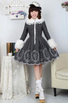 Robe veste grise motifs lapin et fourrure blanche amovible élégante lolita