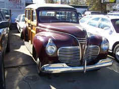 1941 PLYMOUTH WOODIE WAGON