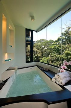 Ванная с панорамным видом.