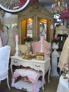 Shabby Chic Furniture, Garden Furniture, Romantic Shabby Chic, Over The Top, Big Top, Antique Stores, Vignettes, Parisian, Home And Garden