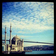 Sunny day in #istanbul #sunny #blue #sky #bosphorous #marmara #sea #bridge #mosque #worldplaces #photourworld #canon #mtgaddicts #mtg #instagram #igersoftheday #instagramhub #instacool #Turkey