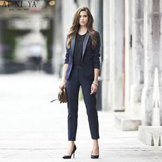 Are you a little worried for your business outfits? Want to know some new spring business outfit ideas for women? These outfit ideas will help you a lot to decide your business wardrobe this season. Fall Business Attire, Business Outfits, Office Outfits, Work Outfits, Work Attire, Formal Attire Women Business, Business Style, Casual Office, Office Wear