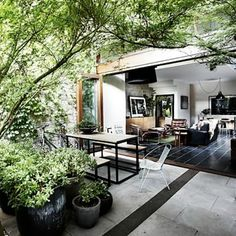 Outdoor/indoor living