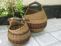 I think it is by Annette Borch Jensens Paper Weaving, Weaving Art, Hand Weaving, Paper Basket, Basket Bag, Willow Weaving, Basket Weaving, Contemporary Baskets, Making Baskets