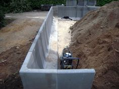 Retaining Wall Design, Building A Retaining Wall, Fence Design, Garden Design, Garden Fence Panels, Garden Stairs, House Stairs, Precast Concrete, Concrete Blocks