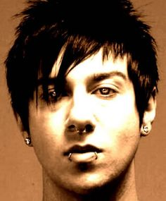 OMG Zacky Vengeance. <3 He is really quite attractive. ^_^