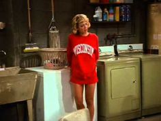 Laurie Forman wants Michael Kelso (SO BAD)....Thank you for the laughs Lisa Robin Kelly (aka Laurie Forman) You will be miss!
