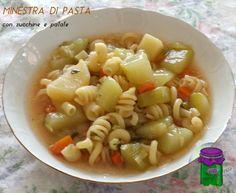 La minestra di pasta con zucchine e patate è un primo piatto leggero da servire ben caldo e, quindi, particolarmente adatto per il pranzo o la cena nel ....