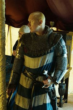 Outlaw King Better Than Braveheart? Medieval Armor, Medieval Fantasy, King Costume, Figure Poses, Edinburgh Castle, Braveheart, Medieval Clothing, Character Reference, 14th Century