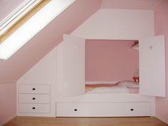 Eventueel het bed nog verhogen zodat er nog een matras op bodem ondergeschoven kan worden?