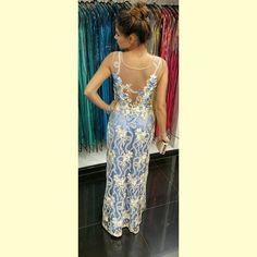 Um sonho de vestido, cada detalhe merece um suspiro! #sonho #vestidodefesta  Coleção alto verão  2016  #flowers #print #pontofinalmoda #lika #likafashion #likasummer2016 #vistalika