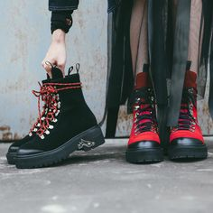 Bella Hadid military boots are so edgy for all seasons | Chiko Shoes