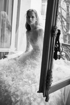 The new Elie Saab wedding dresses have arrived! Take a look at what the latest Elie Saab bridal collection has in store for newly engaged brides. Wedding Dress Sleeves, Long Sleeve Wedding, Bridal Wedding Dresses, Bridal Style, Berta Bridal, Vestidos Elie Saab, Elie Saab Dresses, Elie Saab Bridal, Elie Saab Kleider