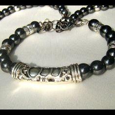 Bracelet hommes en pierre de gemmes hématite & tube ornamentale d'argent tibetan