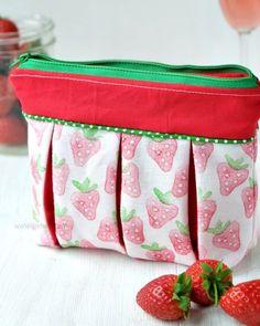 Faltentäschchen / Kellerfalte    DIY Stoffdruck   Erdbeeren   #erdbeeremalanders waseigenes.com