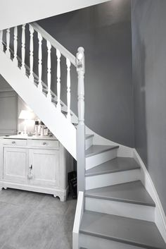 A nice house of Small Space Staircase, Staircase Design, Staircase Ideas, Spiral Staircase, Round Stairs, Open Stairs, Building Stairs, Building A House, Toulouse