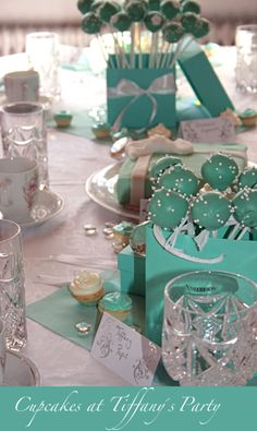 Tiffanys Party / Cupcakes at Tiffany's - had to repin this for kk. She is really hung up on all things Tiffany's and Audrey Hepburn right now! Tiffany Sweet 16, Tiffany And Co, Tiffany Blue, Tiffany Theme, Tiffany Party, Tiffany's Bridal, Bridal Shower, Bridal Luncheon, Cupcake Party