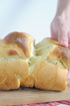Hokkaido Milk Bread - Light and fluffy Japanese bread that is easy to make! This milk bread recipe uses the tangzhong roux method which helps create a tender loaf of bread that's perfect with a bit of butter on it for breakfast! Milk Bread Recipe, Bread Recipes, Cooking Recipes, Fluffy Bread Recipe, Milk Recipes, Easy Recipes, Healthy Recipes, Bread Bun, Bread Rolls