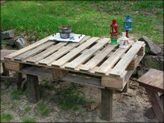 Tattered and Inked: Easiest Pallet Table EVER and some 4th of July Bling