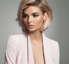 Best Bob Hairstyles & Haircuts for Women - Hairstyles Trends Short Hairstyles For Women, Cool Hairstyles, Hairstyle Ideas, Hair Ideas, Hairstyles Pictures, Neck Length Hairstyles, Bob Hairstyles For Thick Hair, Curly Hair, Pictures Of Short Haircuts