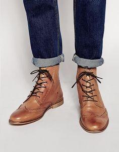 €201, Braune Brogue Stiefel aus Leder von KG by Kurt Geiger. Online-Shop: Asos. Klicken Sie hier für mehr Informationen: https://lookastic.com/men/shop_items/151011/redirect