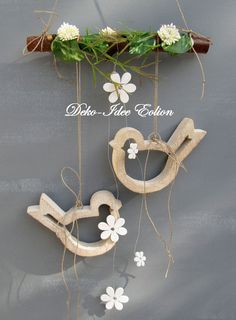 """Window hanger """"Little Birds"""" by Deko-Idee Eolion on DaWanda . Wooden Crafts, Diy And Crafts, Wood Projects, Projects To Try, Ideias Diy, Spring Crafts, Easter Crafts, Diy Home Decor, Crafty"""