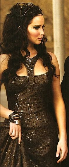 Catching Fire - Katniss Everdeen <3 Love this outfit! (Actress: Jennifer Lawrence)
