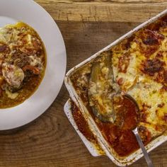 This comforting dish originates from Greece and is made with lamb mince, tomatoes, aubergines and herbs and spices. It is combined with a bechamel sauce. Best Carbs To Eat, Full Fat Milk, Tinned Tomatoes, Large Oven, Bechamel Sauce, James Martin, Moussaka, Lamb Recipes, How To Dry Oregano