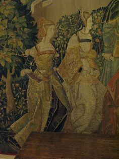 Detail from Tenture de Lérian et Lauréolle, Tapestry 3, Le Pardon du Roi, from South Pays-Bas, first quarter of the 16th century, wool and silk tapestry. Musee du Moyen Age (Cluny), Paris. Beautiful details in these women's clothes. Medieval Tapestry, Medieval Art, Renaissance Clothing, Renaissance Fashion, Weaving Art, Tapestry Weaving, 16th Century Clothing, Unicorn Tapestries, Early Middle Ages