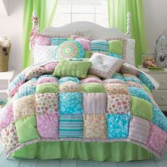 Love puffy quilt... this would keep you warm!!!   Visit & Like our Facebook page: https://www.facebook.com/pages/Rustic-Farmhouse-Decor