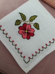 most beautiful cross-stitch pattern knittingcrochetlo.- most beautiful cross-stitch pattern knittingcrochetlo.- Lovely floral cross stitch embroidered tablecloth in linen Cross Stitch Letters, Cross Stitch Art, Cross Stitch Borders, Cross Stitch Samplers, Modern Cross Stitch, Cross Stitch Designs, Cross Stitching, Cross Stitch Embroidery, Stitch Patterns