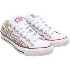 Con borchie Converse, Converse Chuck bianco con borchie cono d'argento... ($115) ❤ liked on Polyvore featuring shoes, sneakers, converse footwear and converse shoes