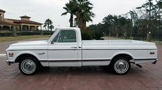 1972 Chevrolet Cheyenne Super Pickup 350 CI, Factory Air presented as lot F98 at Houston, TX 2016 - image2