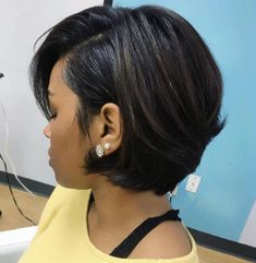 Side-Parted Short Brunette Hairstyle