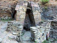 Fonte Sacra - Età nuragica - Dal Bronzo Recente alla prima Età del Ferro (XII-IX secolo a.C. circa) - Su Tempiesu - Orune, Sardegna