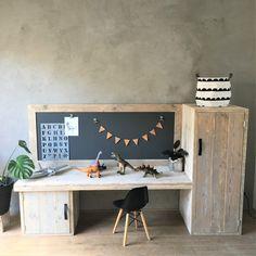 Playroom Lounge, Modern Playroom, Study Room Decor, Study Rooms, Kids Furniture, Furniture Design, Kids Corner, Diy Desk, Home Office Design