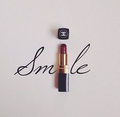 """Smile"" Chanel lipstick - Bathroom or Makeup Station wall decor Chanel Frases, Chanel Quotes, Illustration Mode, Illustrations, Landscape Illustration, Makeup Quotes, Fashion Quotes, Belle Photo, Girly Things"