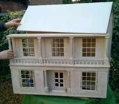 1924 Lines Bros 'Gone With The Wind' white Georgian colonial style dolls house