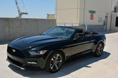 Ford: Mustang Mustang Convertible | Rear Camera | Low Miles