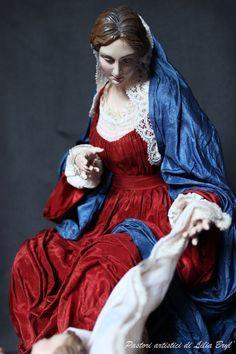 Natività eseguita in stile '700, seguendo gli antichi procedimenti del presepio napoletano.