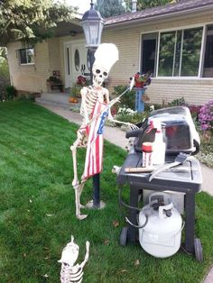 Halloween 2020, Holidays Halloween, Halloween Party, Outdoor Halloween, Halloween Ideas, Halloween Skeleton Decorations, Halloween Skeletons, Spooky Scary, Cute Cats