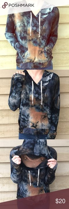 Tiedye Hoodie🕉 Adorable tie dye hoodie. Soft, flowy, and comfortable. Perfect condition. Not Brandy Melville- just similar in style and quality. Make an offer or bundle to save❣️🎁✨ Brandy Melville Tops Sweatshirts & Hoodies