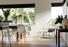 eames chairs + palm tree