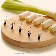 Miniature Art By Tatsuya Tanaka. Tatsuya Tanaka is a Japanese artist and Continue Reading and for more miniatures → View Website miniatureartist People Photography, Macro Photography, Creative Photography, Miniature Calendar, Miniature Photography, Futuristic Art, Tiny World, Creative Artwork, Mini Things