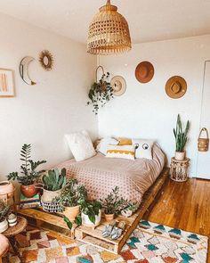 Room Ideas Bedroom, Home Bedroom, Diy Bedroom Decor, Wall Decor, Urban Bedroom, Master Bedroom, Apartment Bedroom Decor, Bohemian Bedroom Decor, Interior Livingroom